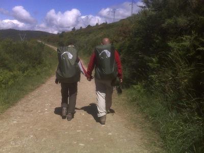 Parterapi i naturen på pilgrimsruten Caminoen i Spanien.